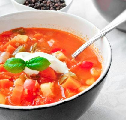 Zupa z czerwoną soczewicą i papryką