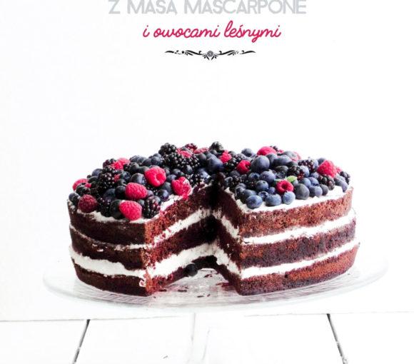 Torcik czekoladowy z mascarpone i owocami leśnymi