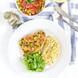 Cytrynowe risotto z kurczakiem i salsą z awokado - przepis