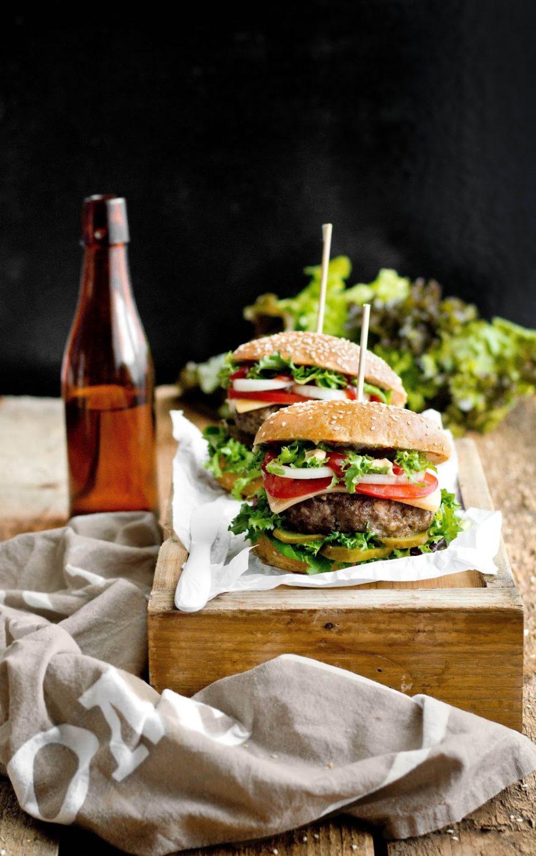 Domowe burgery z mięsa wołowego