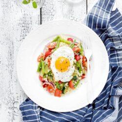 Kasza bulgur z warzywami i jajkiem - przepis