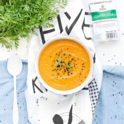 Zupa z pieczonej marchewki i batata z czarnuszką - przepis