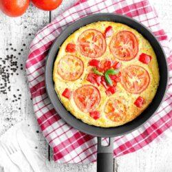 Frittata z pomidorami i czerwoną papryką - przepis