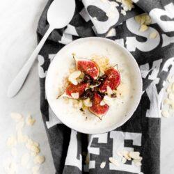 Owsianka z miodem, figami i czekoladą - przepis
