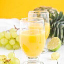 Sok z winogron, mango i ananasa - przepis