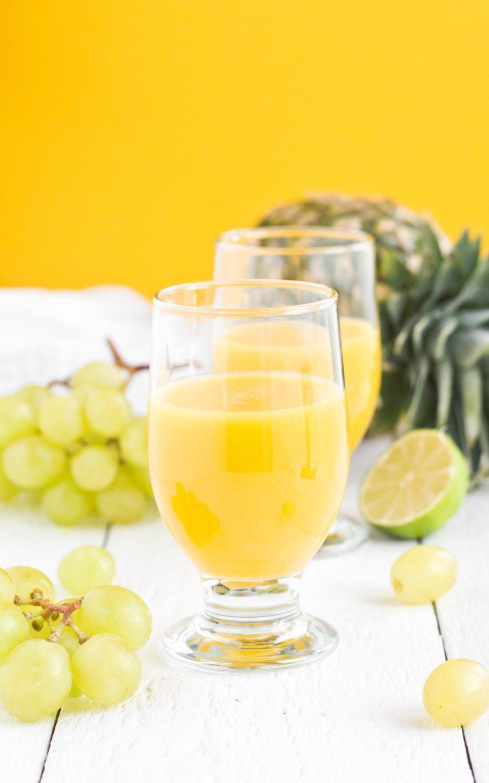 Sok z winogron, mango i ananasa