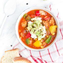 Aromatyczna zupa z kurczakiem i warzywami - przepis