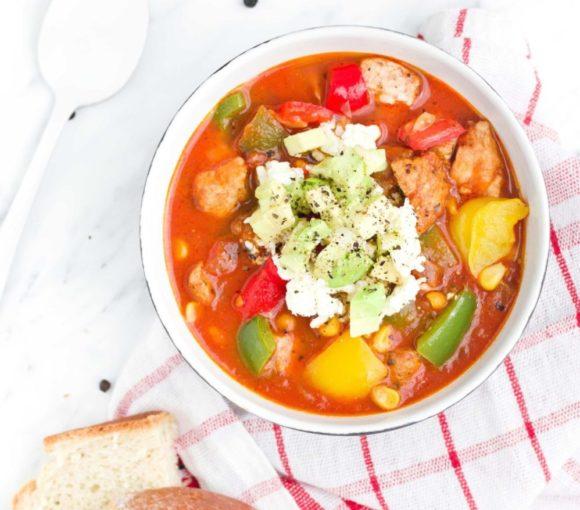 Aromatyczna zupa z kurczakiem i warzywami