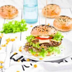 Wegetariańskie burgery z ryżu i fasoli - przepis