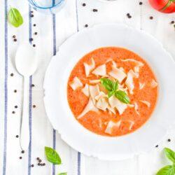 Zupa pomidorowa - klasyczna i domowa - przepis