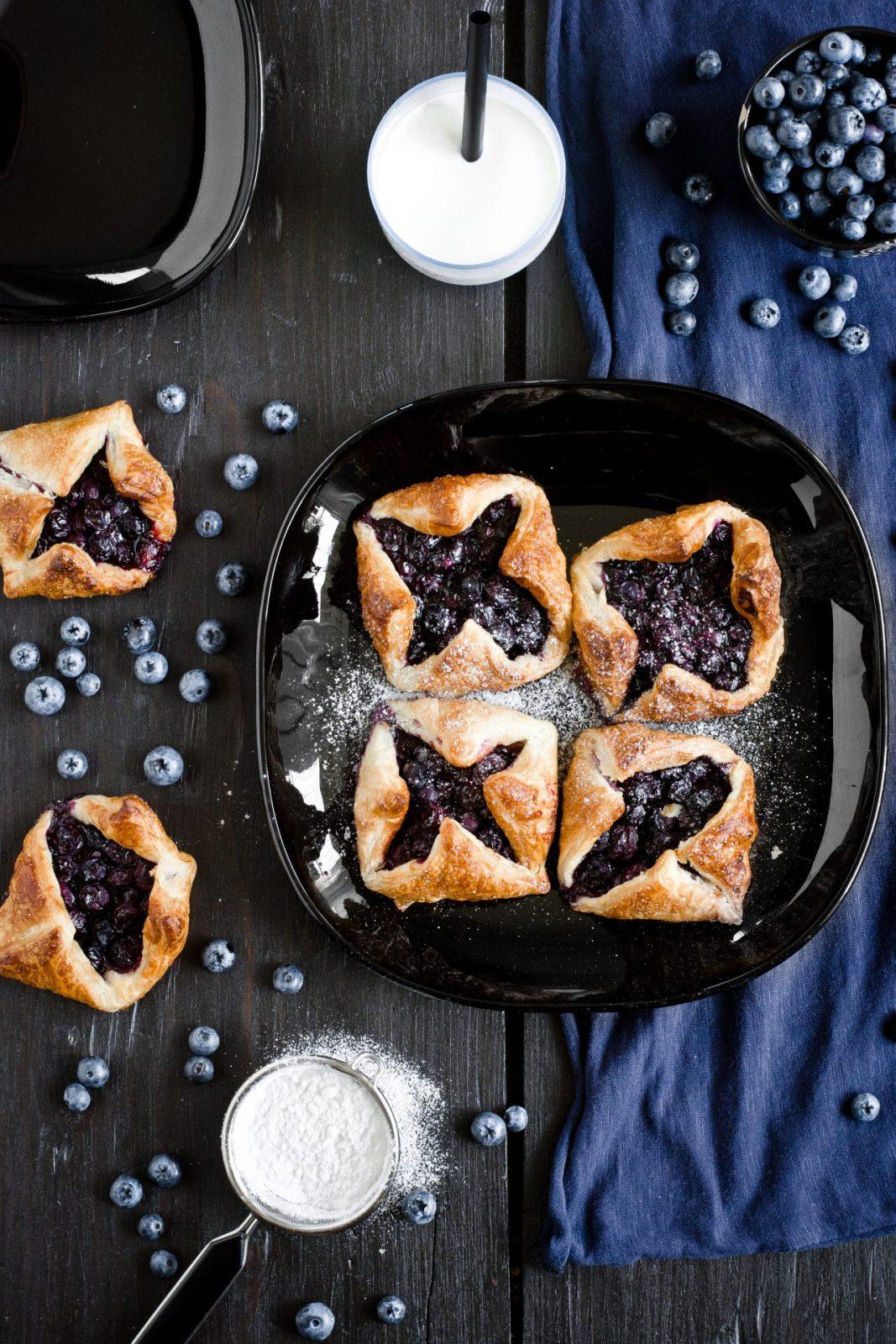 ciastka francuskie z borówkami