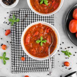 Zupa pomidorowa z pieczoną papryką