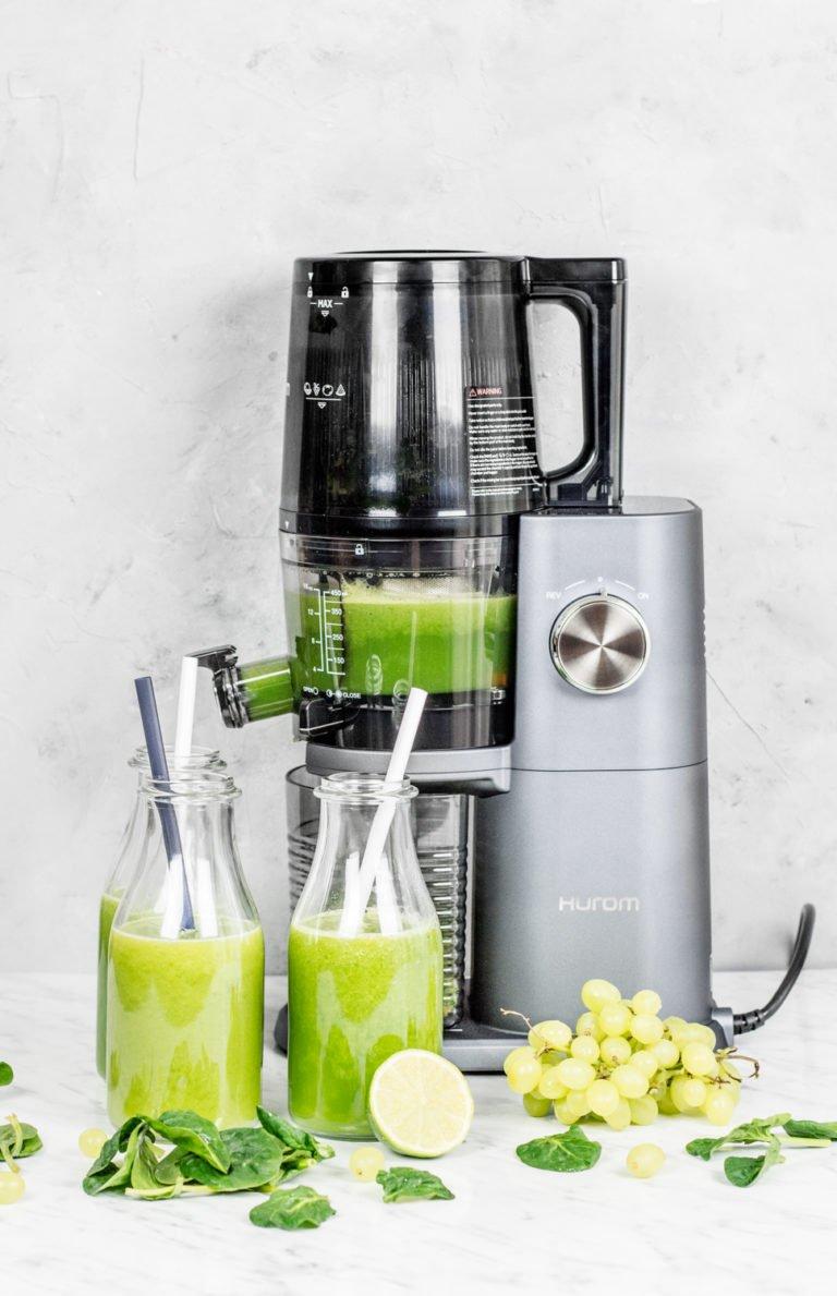 Energiczna zieleń - sok ze szpinaku, selera i winogronEnergiczna zieleń - sok ze szpinaku, selera i winogron
