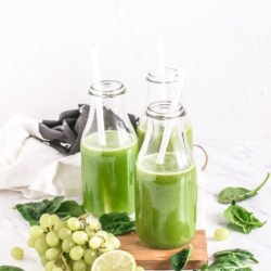 Energiczna zieleń - sok ze szpinaku, selera i winogron