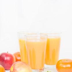 Egzotyczny pomarańcz - sok z mango, mandarynką i marchewką