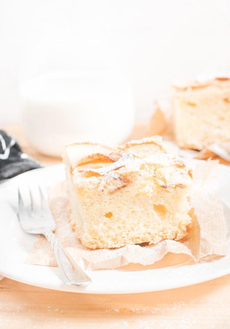 Błyskawiczne ucierane ciasto z jabłkami