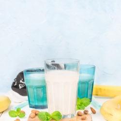 Bananowe mleko migdałowe